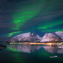 northern-lights-in-bergsfjorden-on-senja-www-senjafoto-no_