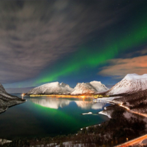 northern-lights-in-bergsfjorden-www-senjafoto-no_