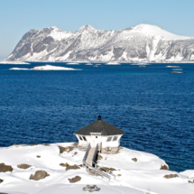the-lighthouse-winter-daytime