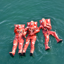 weightless-body-rafters-in-the-arctic-ocean